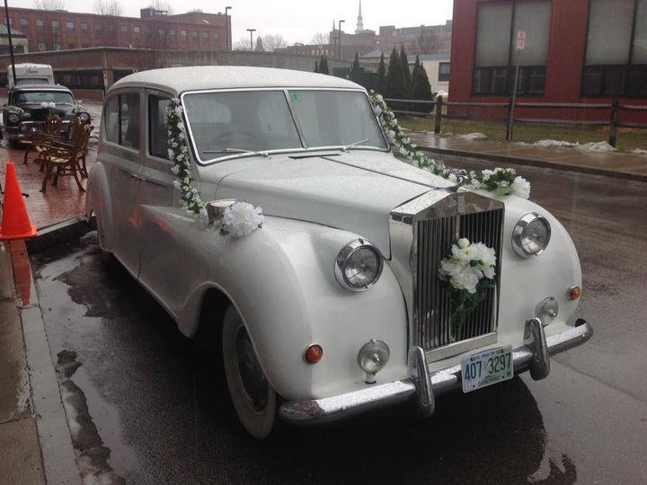 Tmx Princess Wedding In The Rain Outside The Courtyard 51 127950 160277971969805 Swanzey, NH wedding transportation