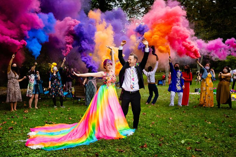 Raindbow wedding w/ smoke bomb