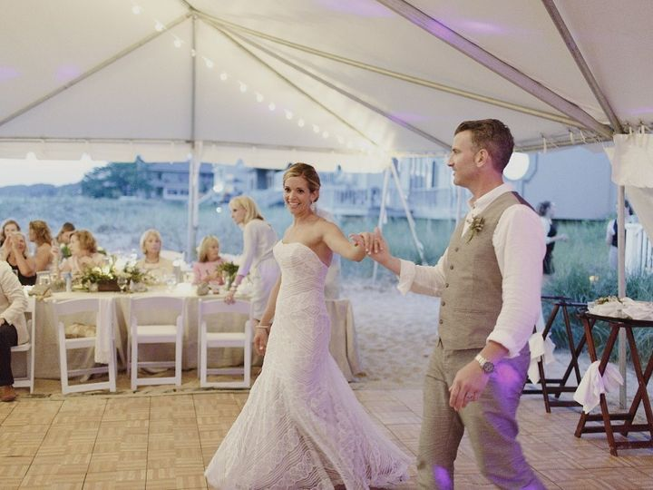 Tmx 1448298680847 Amandavanvels569 1024x682 Muskegon wedding rental