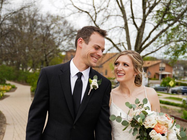 Tmx Dsc01068 51 479060 159171739043653 Naperville, IL wedding photography