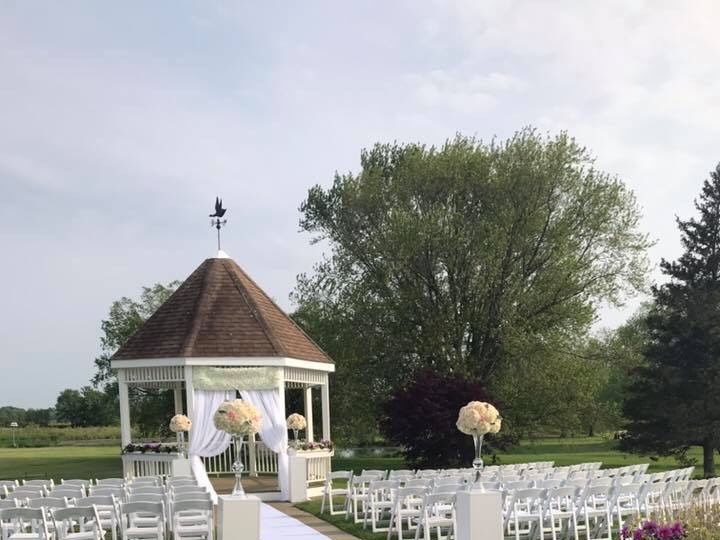 Tmx F3662b58 3a94 4a1f 977a 6ab49bdad660 51 1013160 1561313228 Stoughton, MA wedding florist