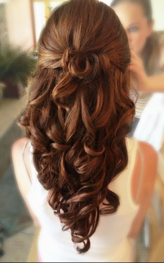 Long hair half up half down curled bridal hairstyle with extensions