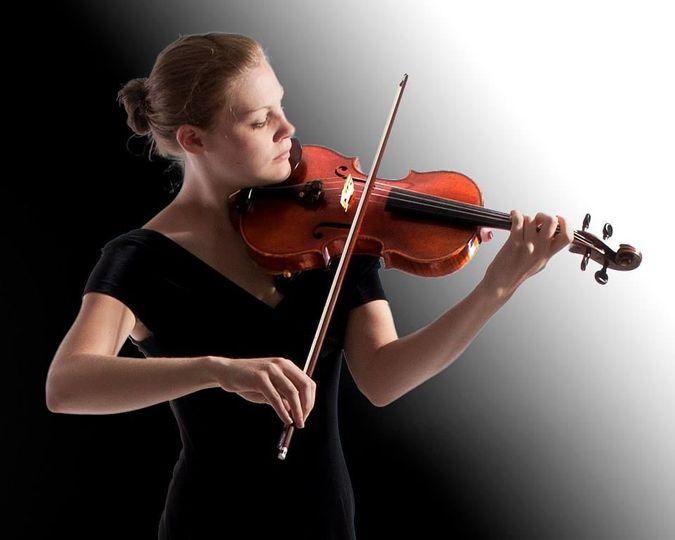 09df28158bd7515b 1537063717 3b4243f25bc45830 1537063715298 5 violin photoshoot