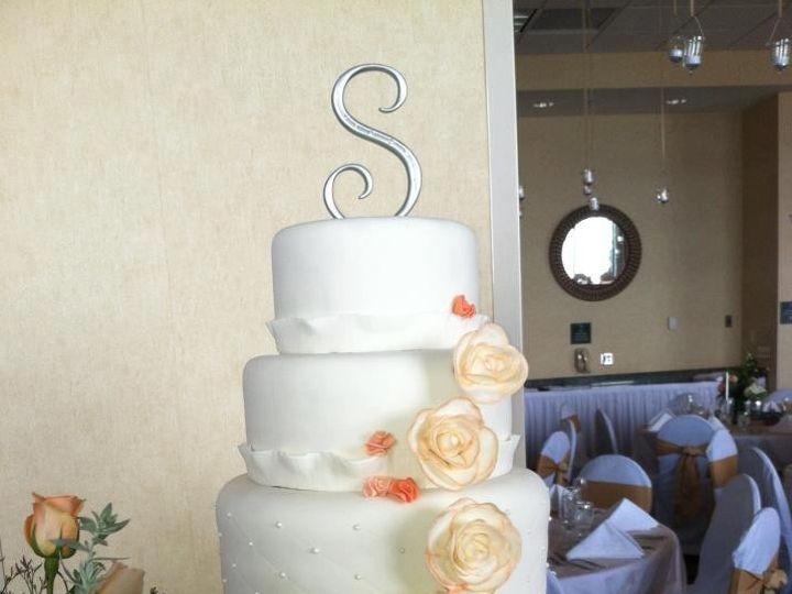 Tmx 1417715462758 Hexagon Fosston wedding cake