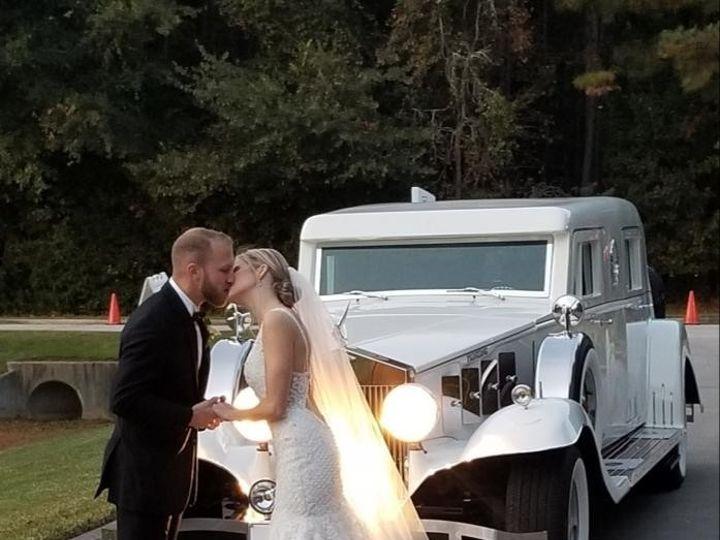 Tmx Couple Kissing Headlights On 51 48160 157679205955701 Houston, Texas wedding transportation
