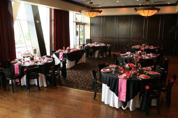 Calabria & DiCarlo room with specialty linens from RSVP, Floral provided by Michelle Tewes with Rose...