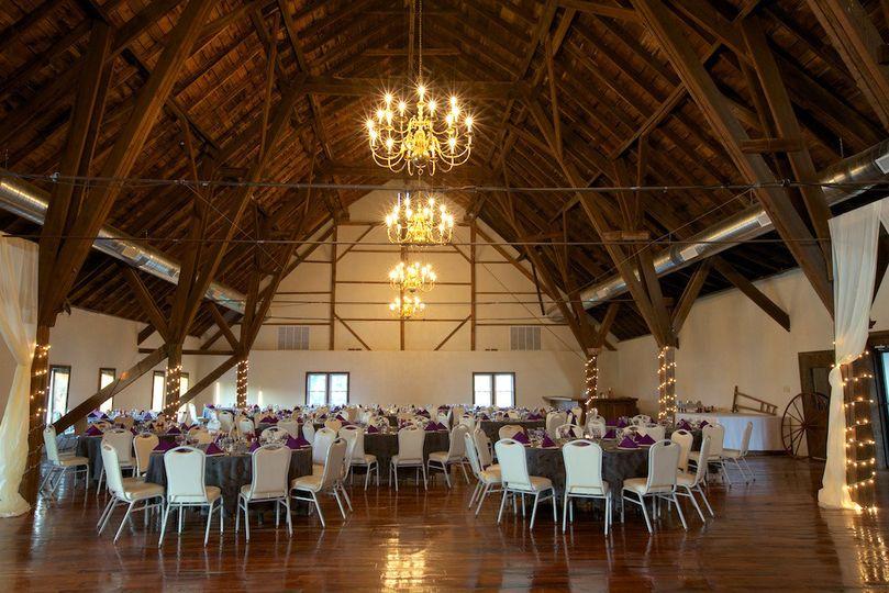 800x800 1371061347466 manor view barn 800x800 1481046162612 stable wedding