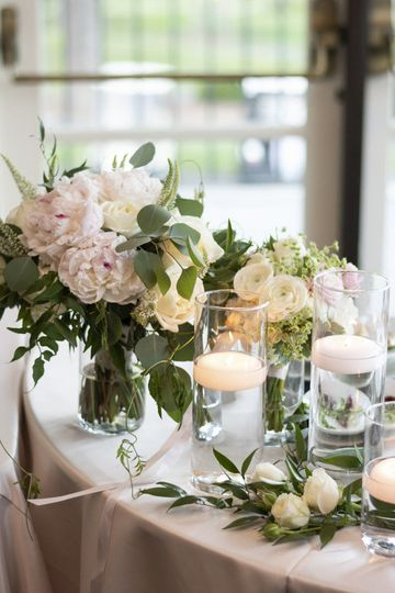 Floral by Jen's Blossoms, Photo courtesy of Christelle Elbert Photography