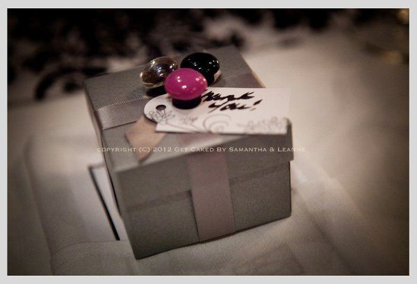 800x800 1334291982331 weddingfavour