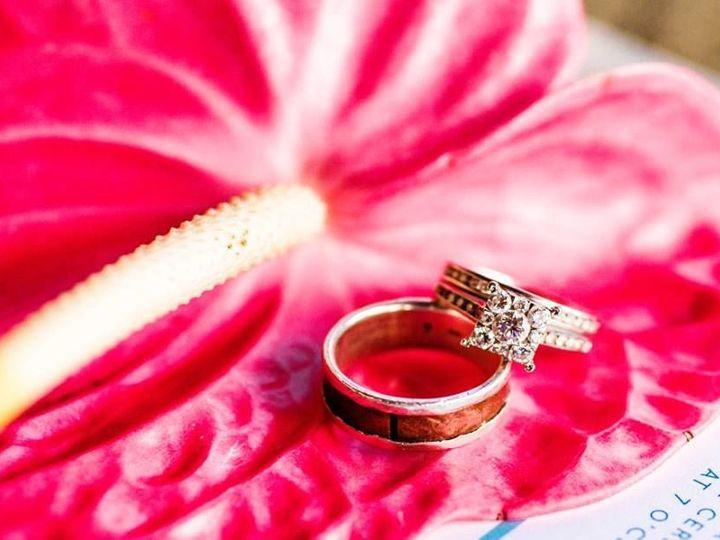 Tmx 1527631632 68c179898a9292cc 1527631630 D01a31732888e552 1527631617004 4 Tropical 3 Portland, OR wedding florist
