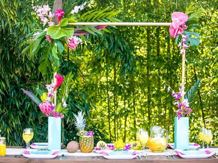 Tmx 1527631641 F162912fceb875b6 1527631640 805c67db3c222743 1527631617013 14 Tropical 13 Portland, OR wedding florist