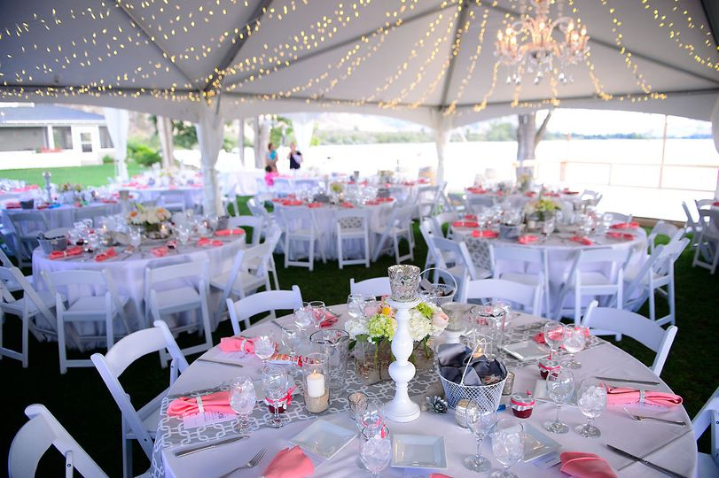 lakechelanweddingrentals com tables chairs linens
