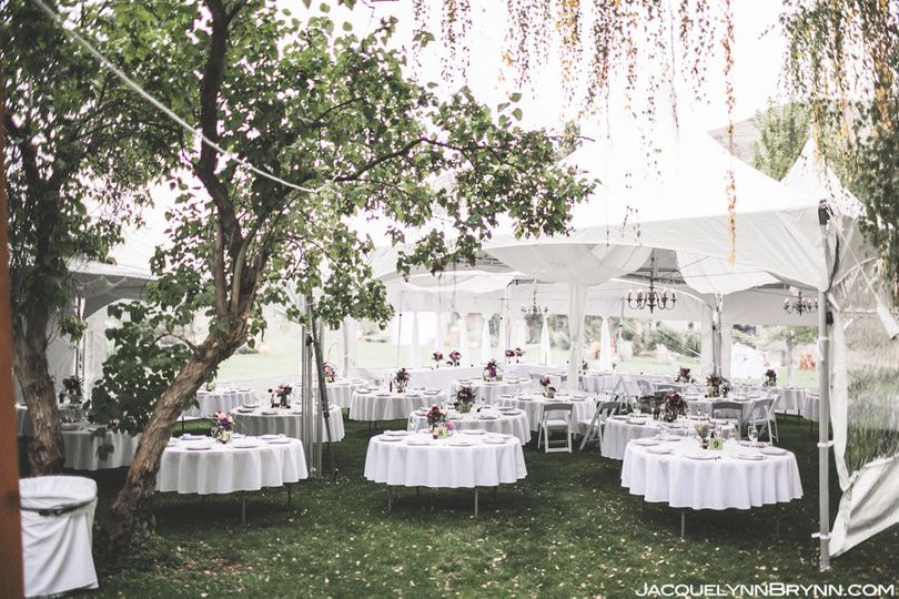 lakechelanweddingrentals com tent linens chairs