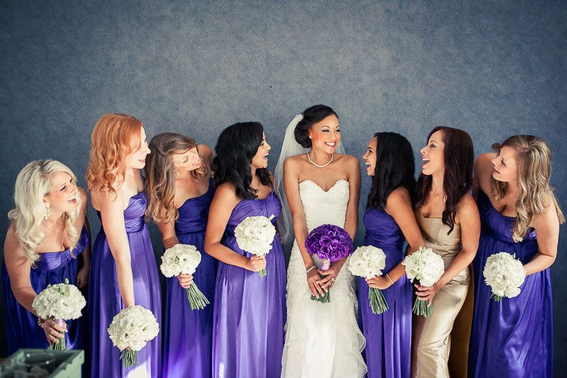 800x800 1418150379293 bride and bridesmaids holding bouquets