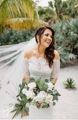 Bonnet House bride