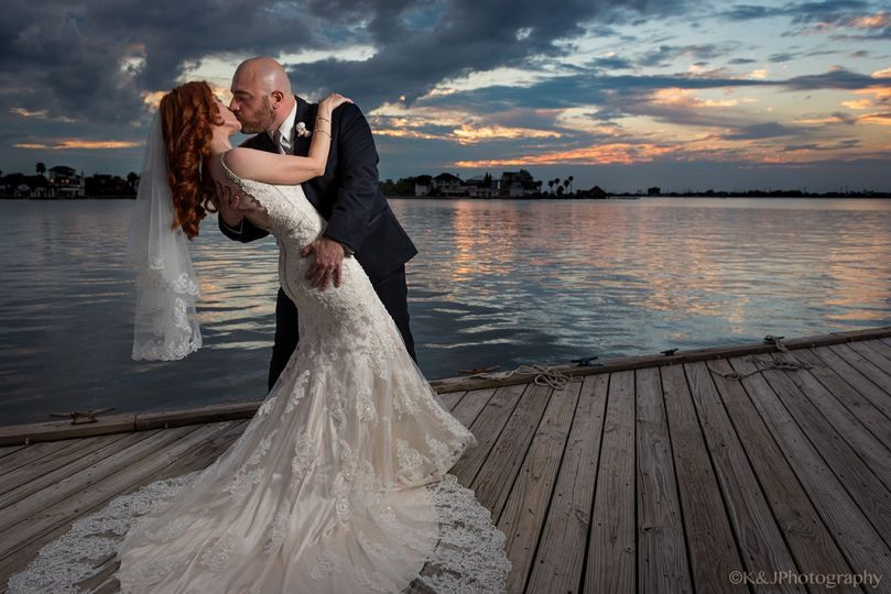 kissing on dock