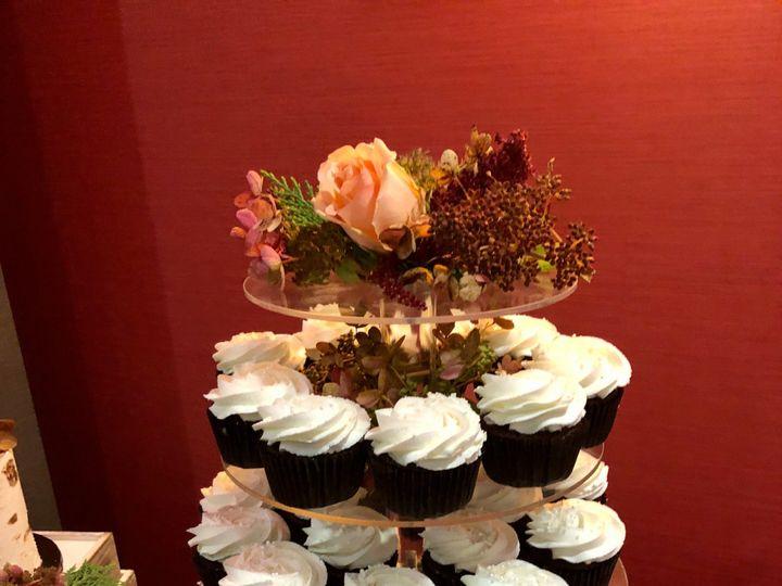 Tmx 80570e7d 96a3 4233 8482 C5eee1b70662 1 201 A 51 951360 158275107852589 Hummelstown wedding cake