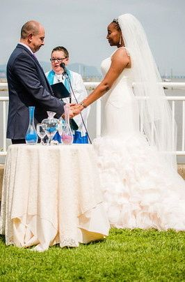 International summer bilingual wedding officiated in Tarrytown at View on the Hudson. Reading: Pablo...