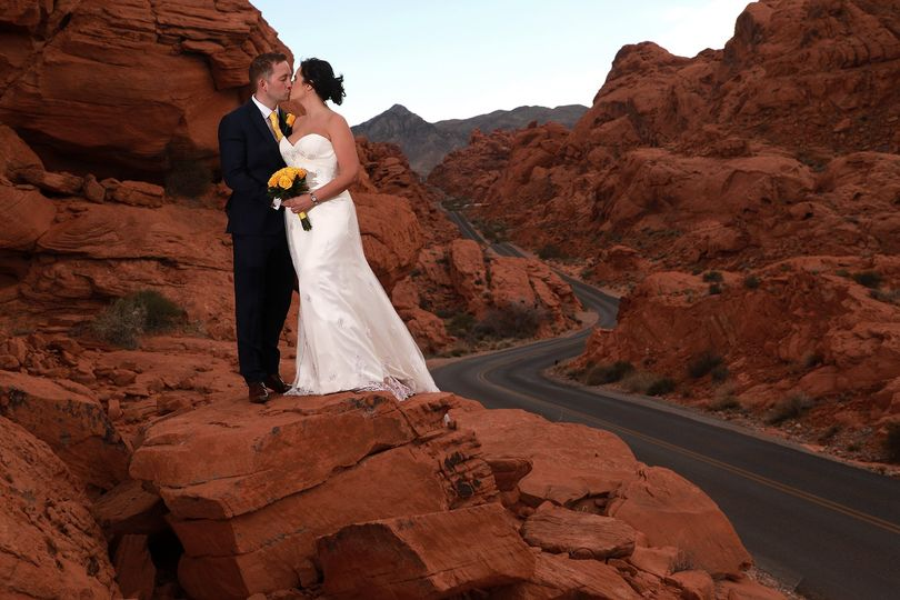 Best Valley of Fire Weddings