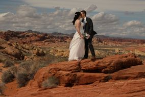 Scenic Las Vegas Weddings and Photography