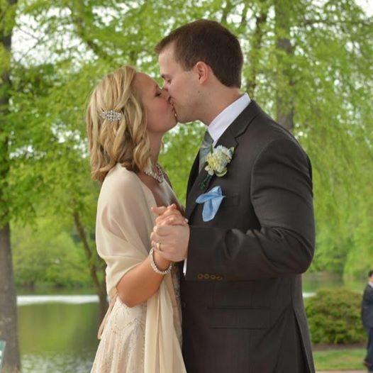dan and sabrina wedding kiss