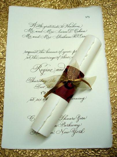 Elegant Scroll