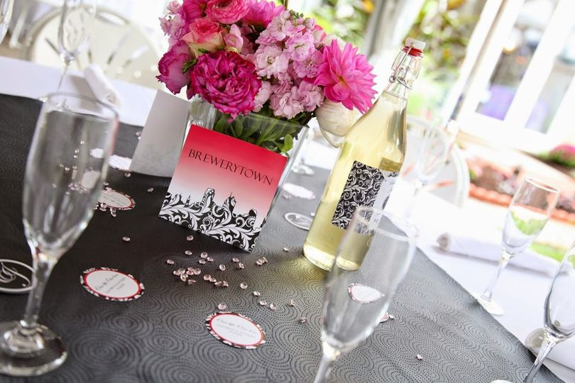 Centerpiece with pink flowers