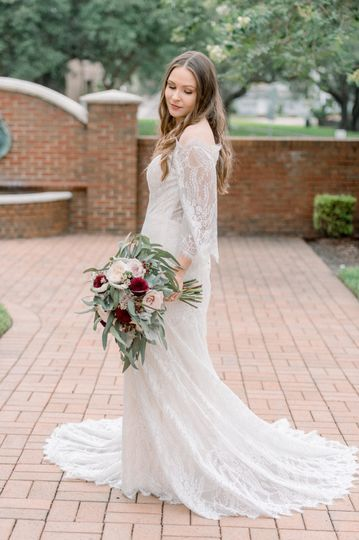 Bride is wearing Wilderly Bride gown, Stella! Photographer: Sargeant Studios Photography Co.