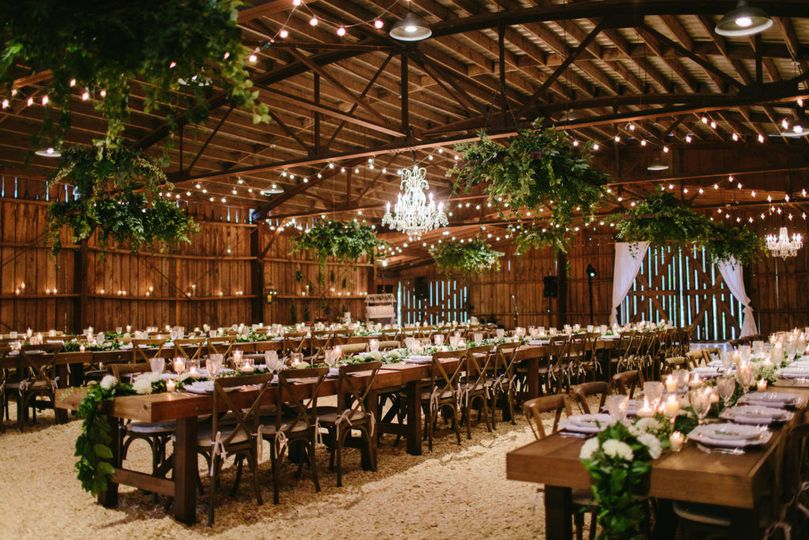 3a781b0c14546316 the barn elegant rustic 2
