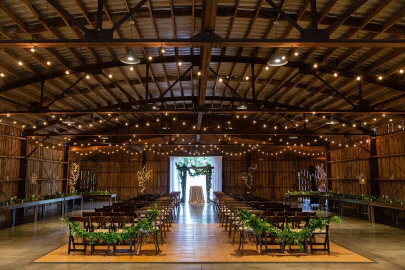 ceremony in the barn 51 668360