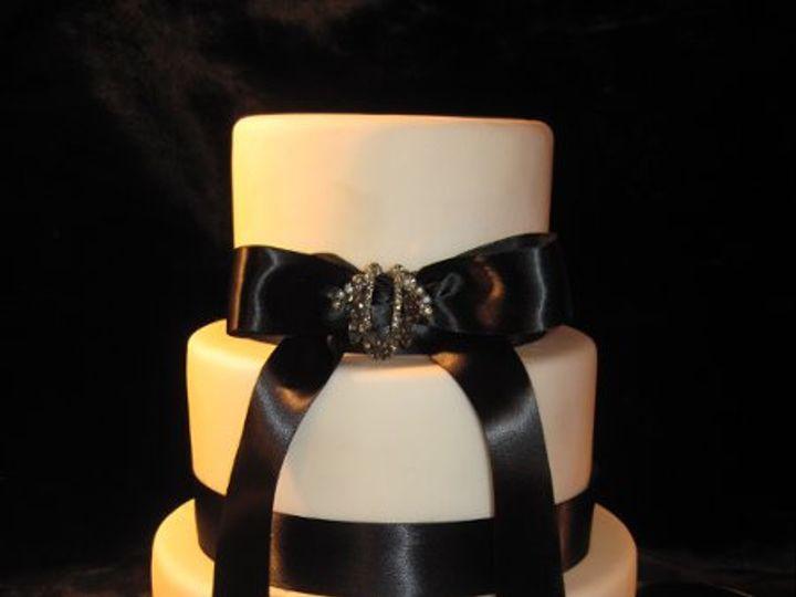 Tmx 1320066351958 Weddcakes051 Almont wedding cake