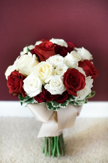 Classic Mixed Rose Bouquet