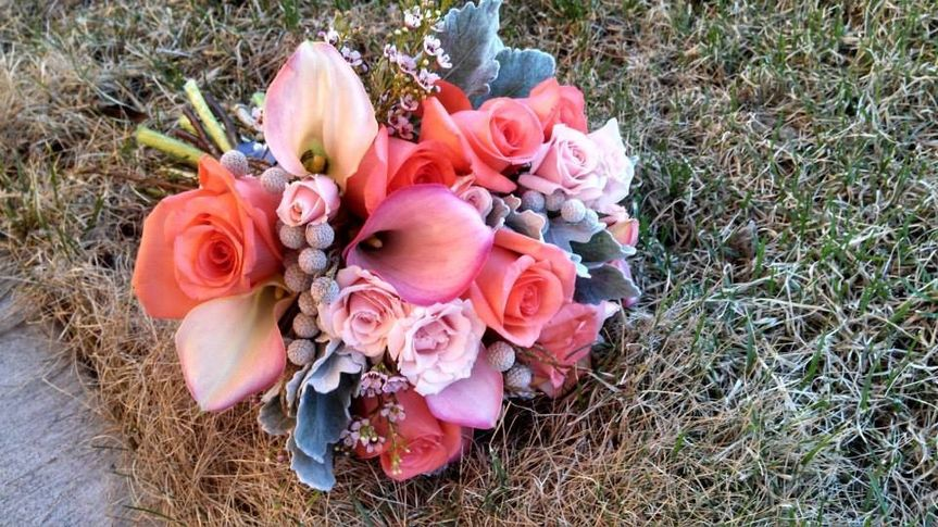Pink bouquet with berries