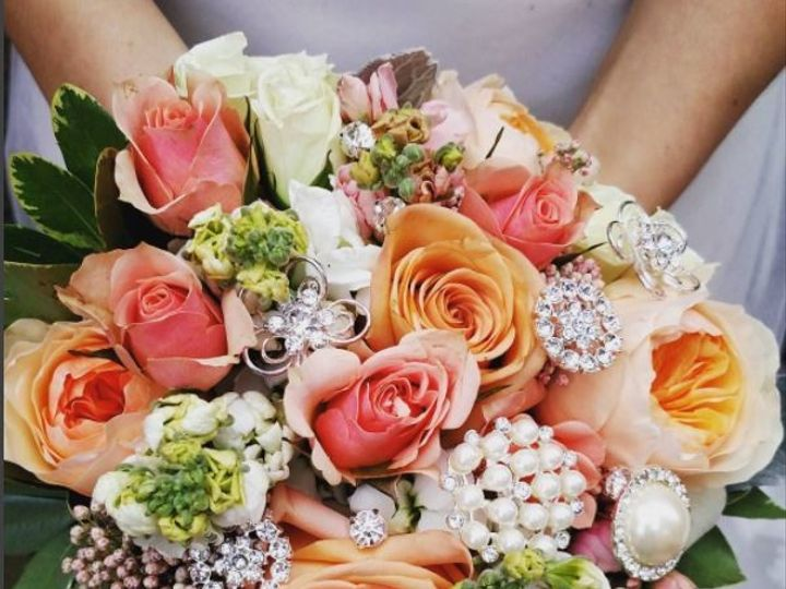 Tmx 1498764975842 150 Plus Bling Just Peachy Milwaukee, Wisconsin wedding florist