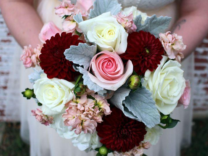 Tmx 1517527663 D328c97d8bc13009 1517527662 Bc48a242f0b565fd 1517527658274 5 125 Chloe Milwaukee, Wisconsin wedding florist