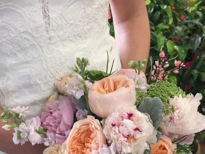 Tmx 1517527732 6b770034ff403035 1517527731 812c6de5b09774bb 1517527732838 9 Vintage 4 Milwaukee, Wisconsin wedding florist