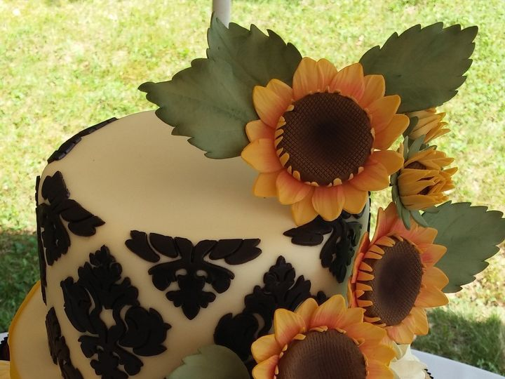 Tmx 1417541611885 Cam00092 Eliot wedding cake