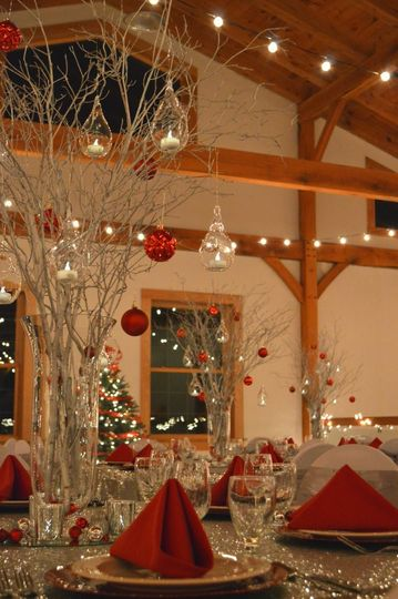 Raised table centerpiece and lights