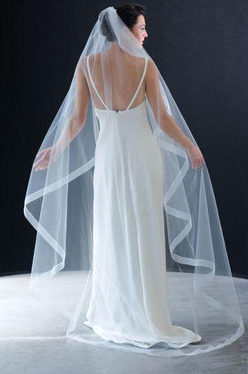 Simple and elegant veil