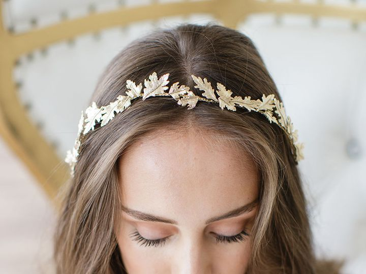 Tmx 1522517478 3bc9c41d2e4e5b24 1522517477 Aa43c65c3f2f1d08 1522517474762 2 Bridal Hair Access  wedding dress