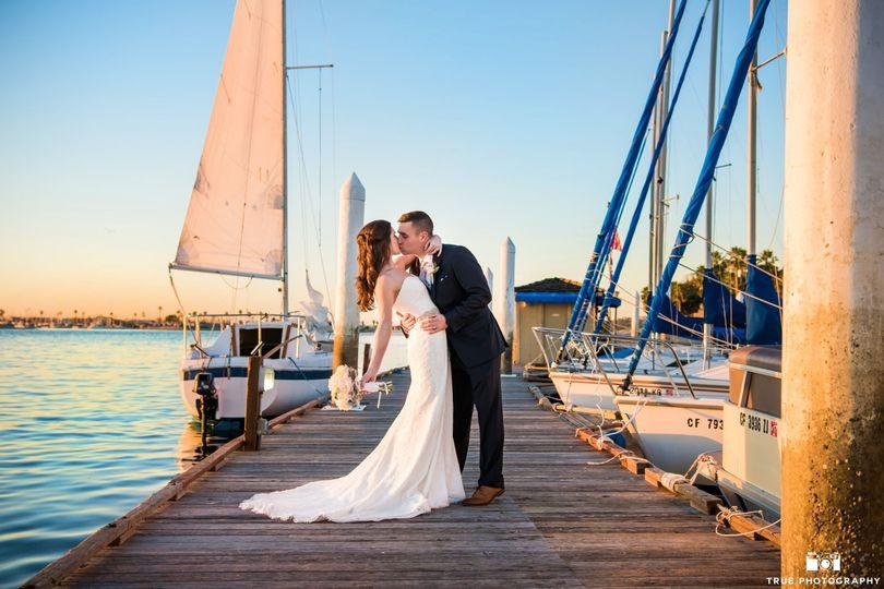 A kiss at the marina
