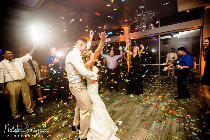 Last dance w/confetti