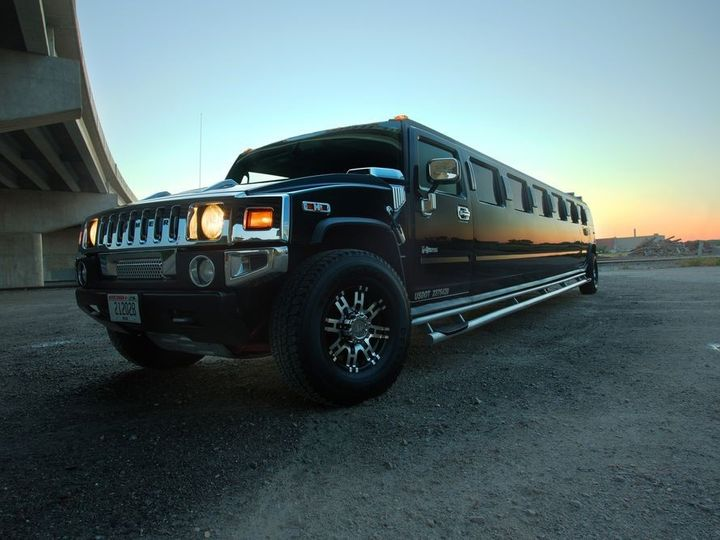 Tmx Hummer Limo 1 51 722660 158561945645865 Greenville, WI wedding transportation
