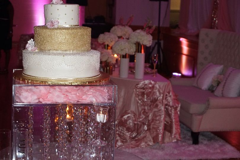 3-tier wedding cake and glass table