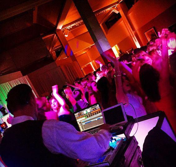 Central Arkansas Entertainment DJ Lantz rocking the crowd!