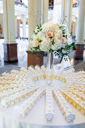 White table decors