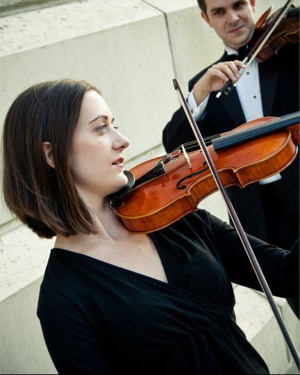 Performing the violin