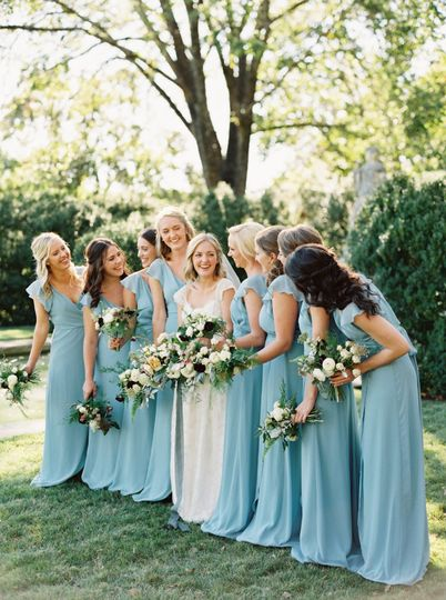 Neutral and blue wedding party.