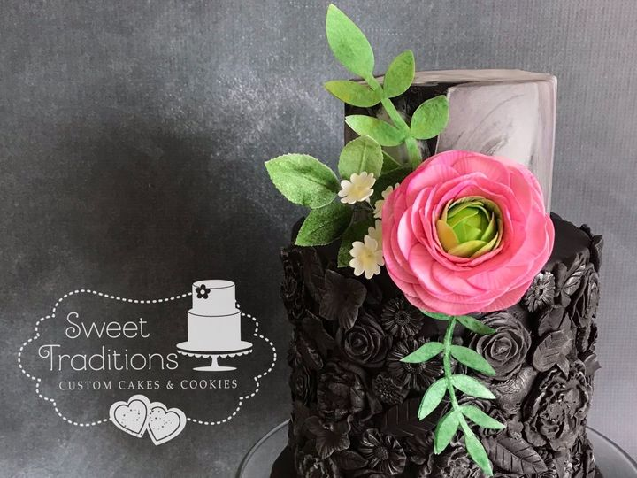 Tmx 1523323490 9f9bdf82a9bd0e75 1523323489 7bfe8c544ee6da6e 1523323487704 1 9D1D3BB7 6893 47FB Sperry, OK wedding cake