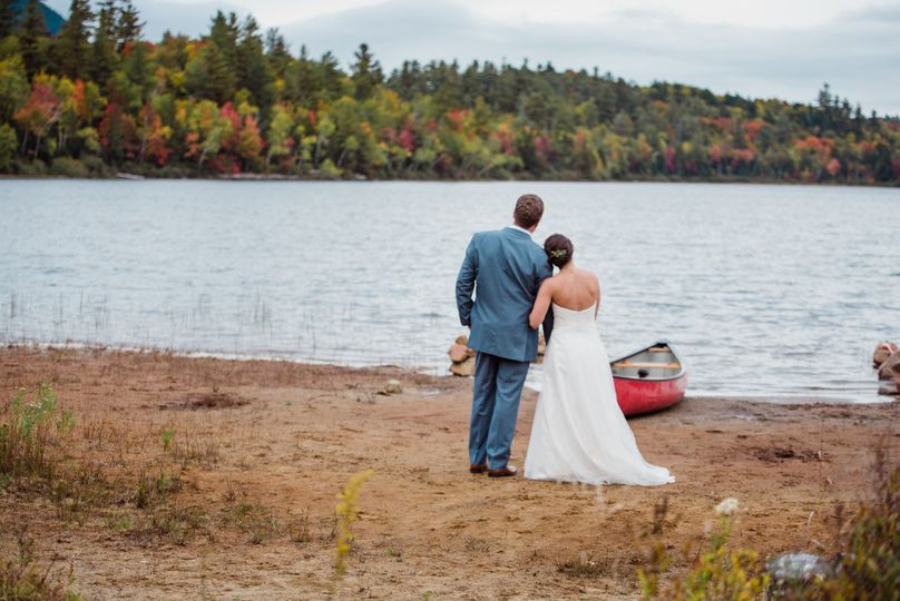 Adirondack fall wedding on the shores of Connery pond. Photography by Julia Rebecca Photography
